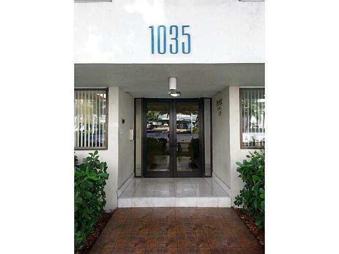 Condo in Miami, south-beach, Mirador East, 503, A2030667