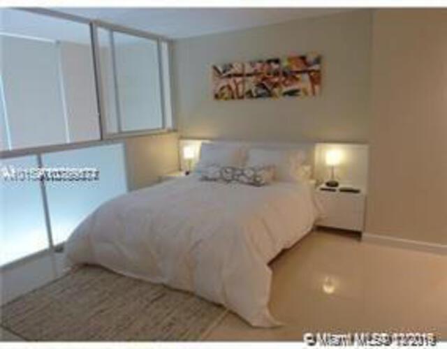 Avenue 1060 Brickell image #8