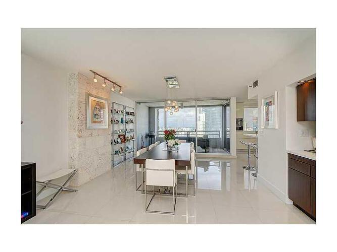 Condo in Miami, brickell, The Palace Condo, B3403, A2039997