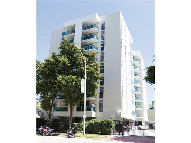 Condo in Miami, south-beach, Mirador East, 305, A2106038