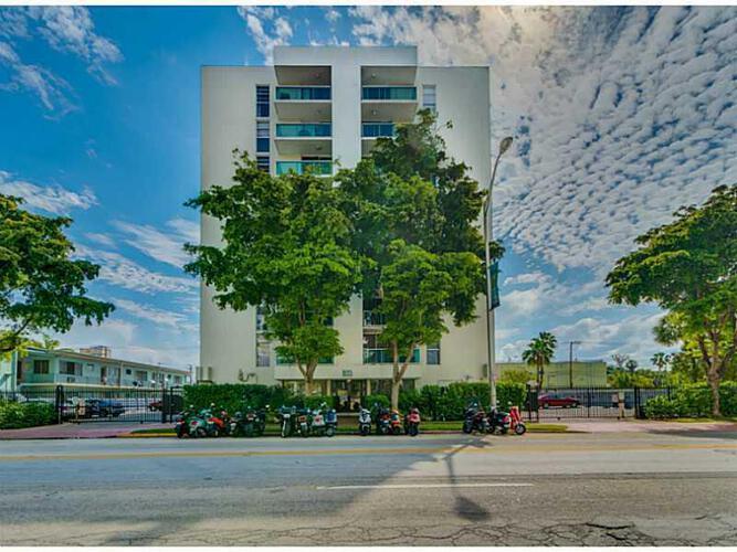 Condo in Miami, south-beach, Mirador East, 708, A2109237