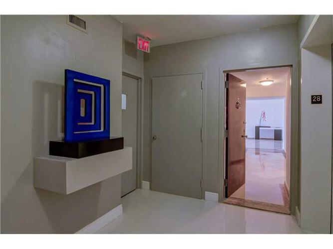 Condo in Miami, brickell, The Palace Condo, B2803, A2135526