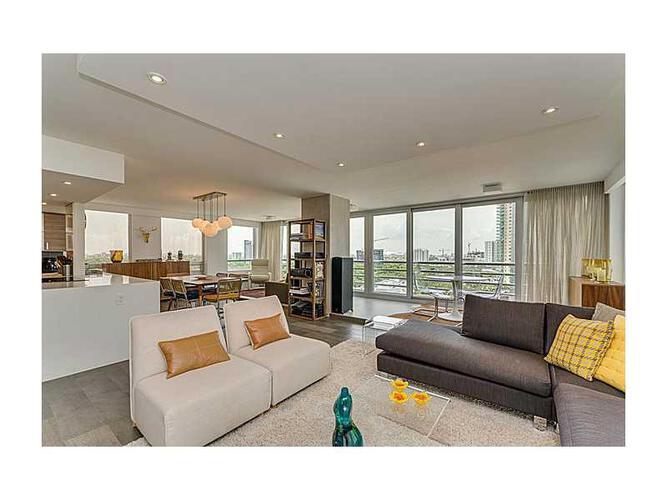 Condo in Miami, Brickell, The Palace Condo, C1406, A2139076