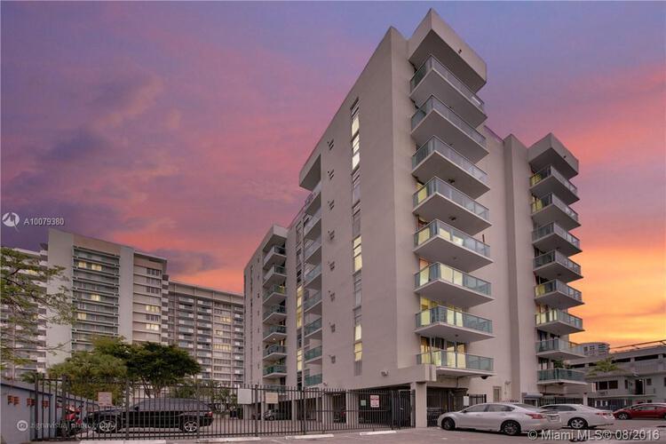 Condo in Miami, South Beach, Mirador East, 406, A10079380
