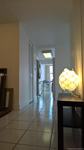 Brickell Place I image #19