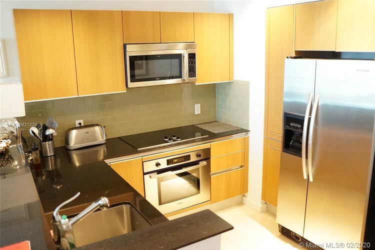 Avenue 1060 Brickell image #6