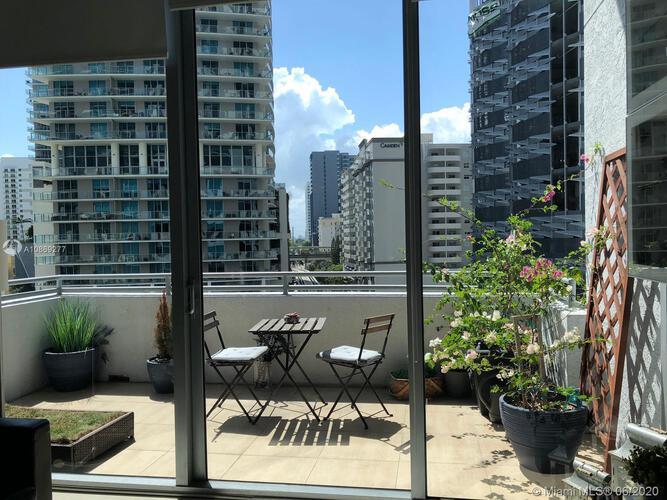 Avenue 1060 Brickell image #9