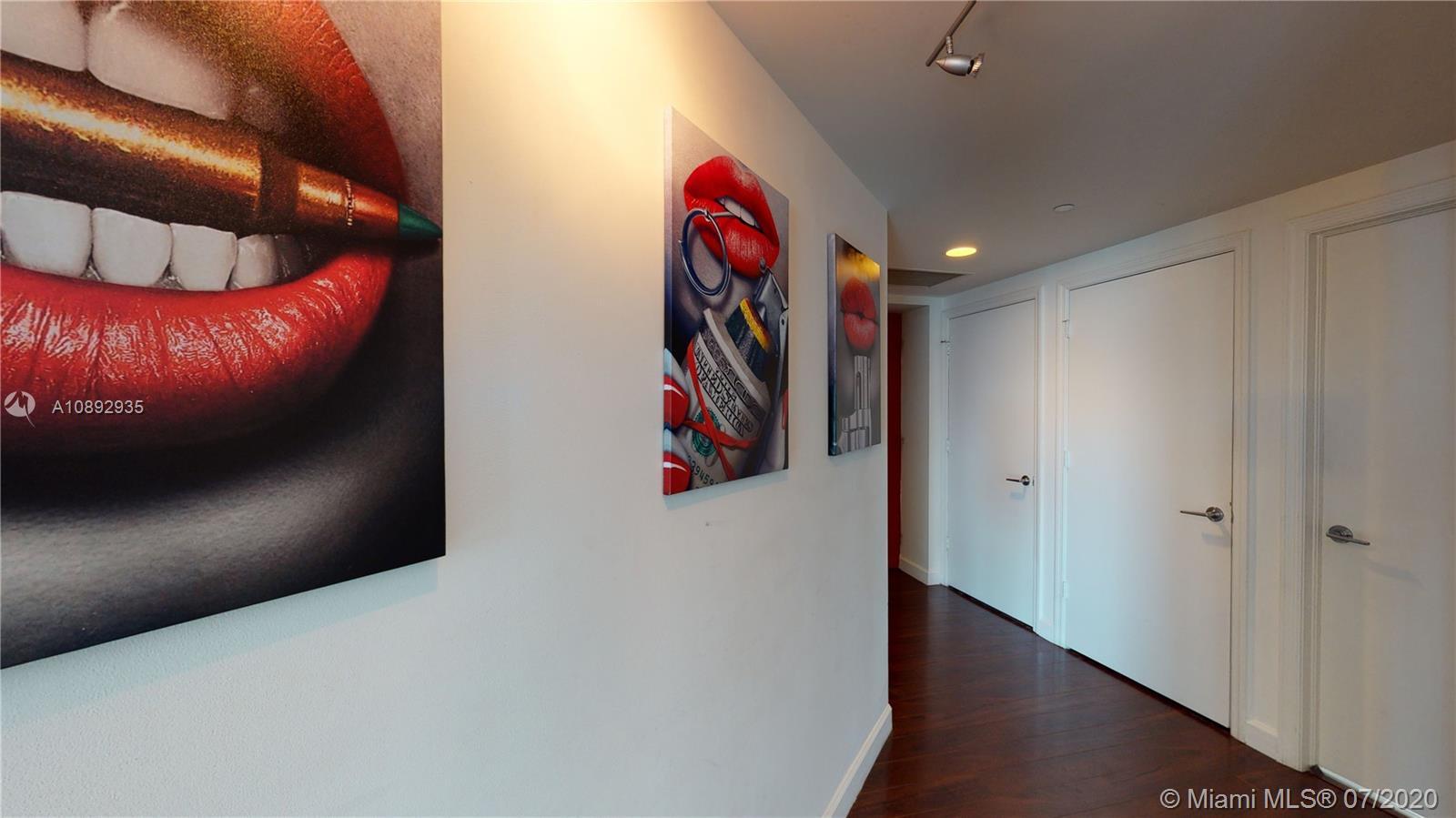 500 Brickell image #21