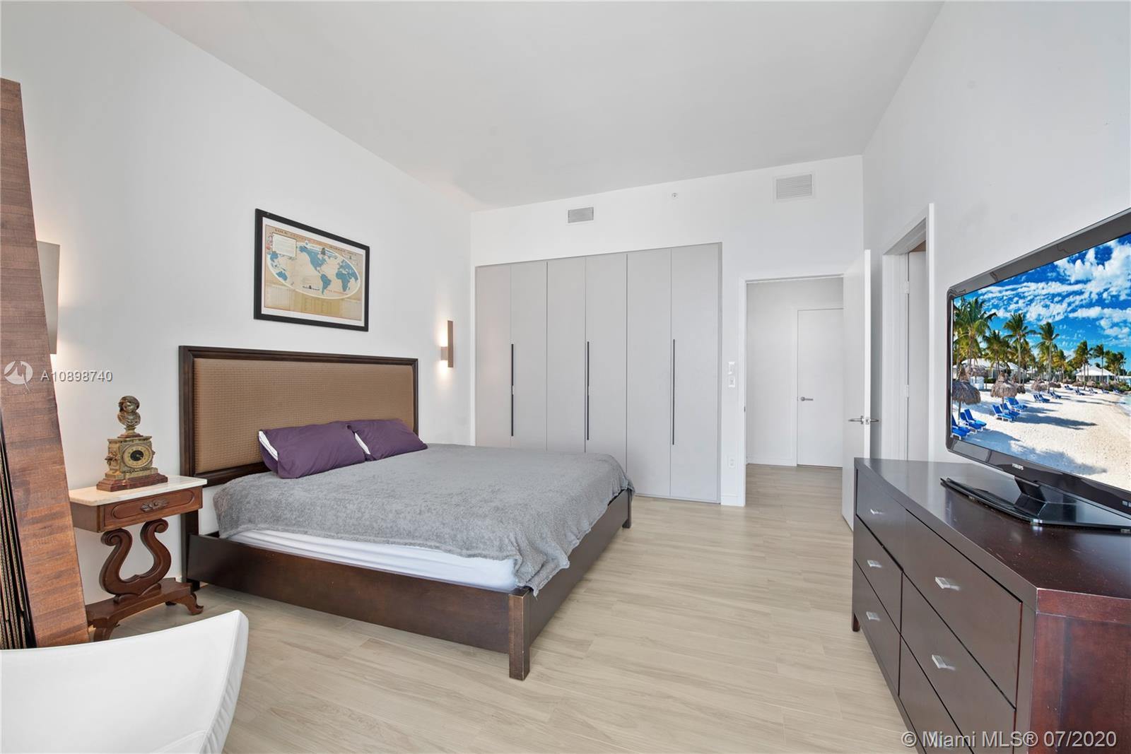 SLS Hotel & Residences image #40