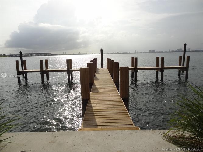 Paraiso Bay image #18