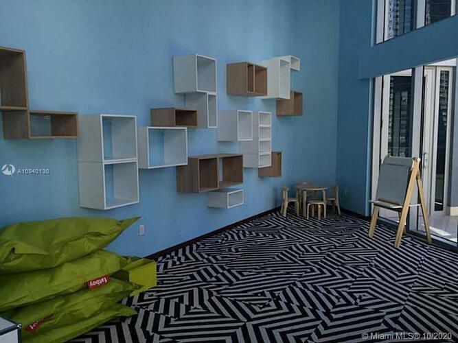 Brickell House image #25