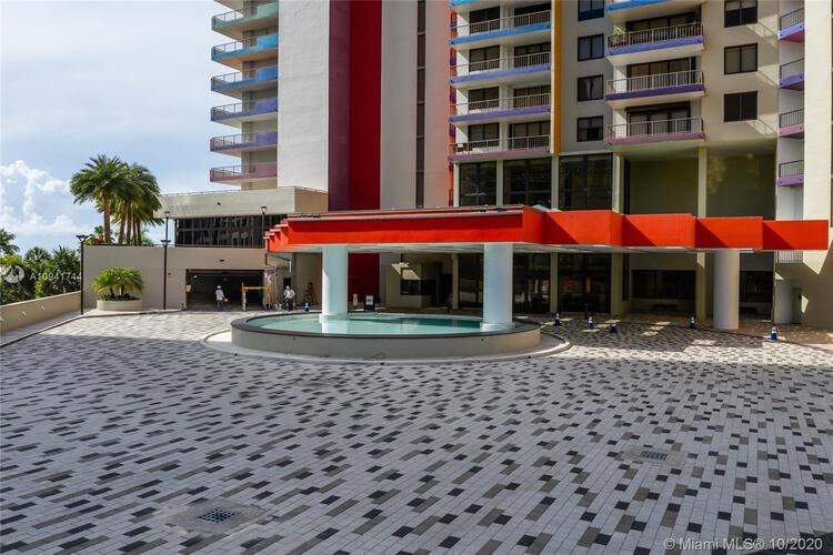 Villa Regina Condo image #15