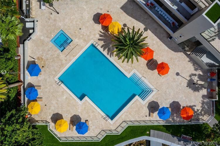 Villa Regina Condo image #30