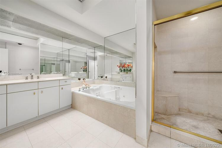 Palace at Bal Harbour image #9