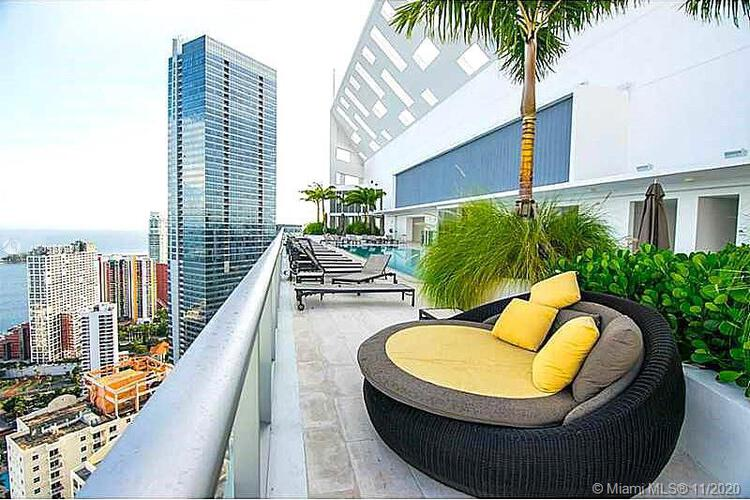 Brickell House image #32