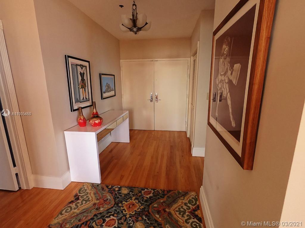 Villa Regina Condo image #3