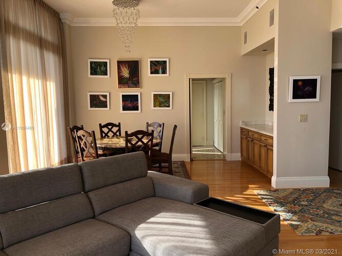 Villa Regina Condo image #9
