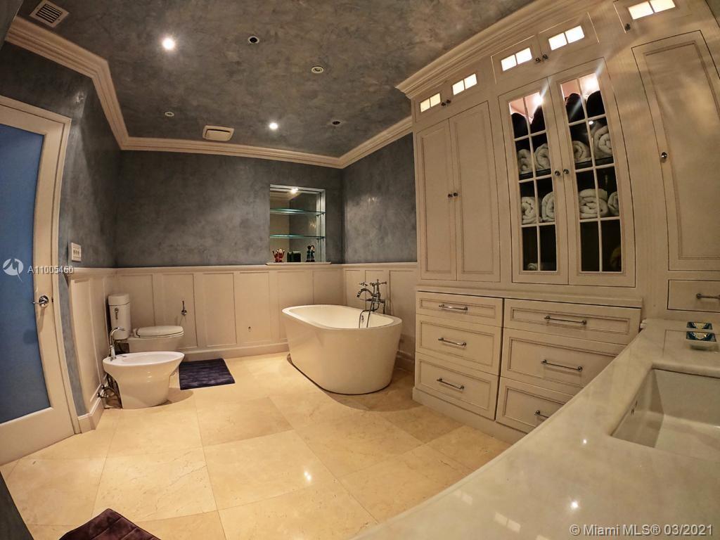 Villa Regina Condo image #21