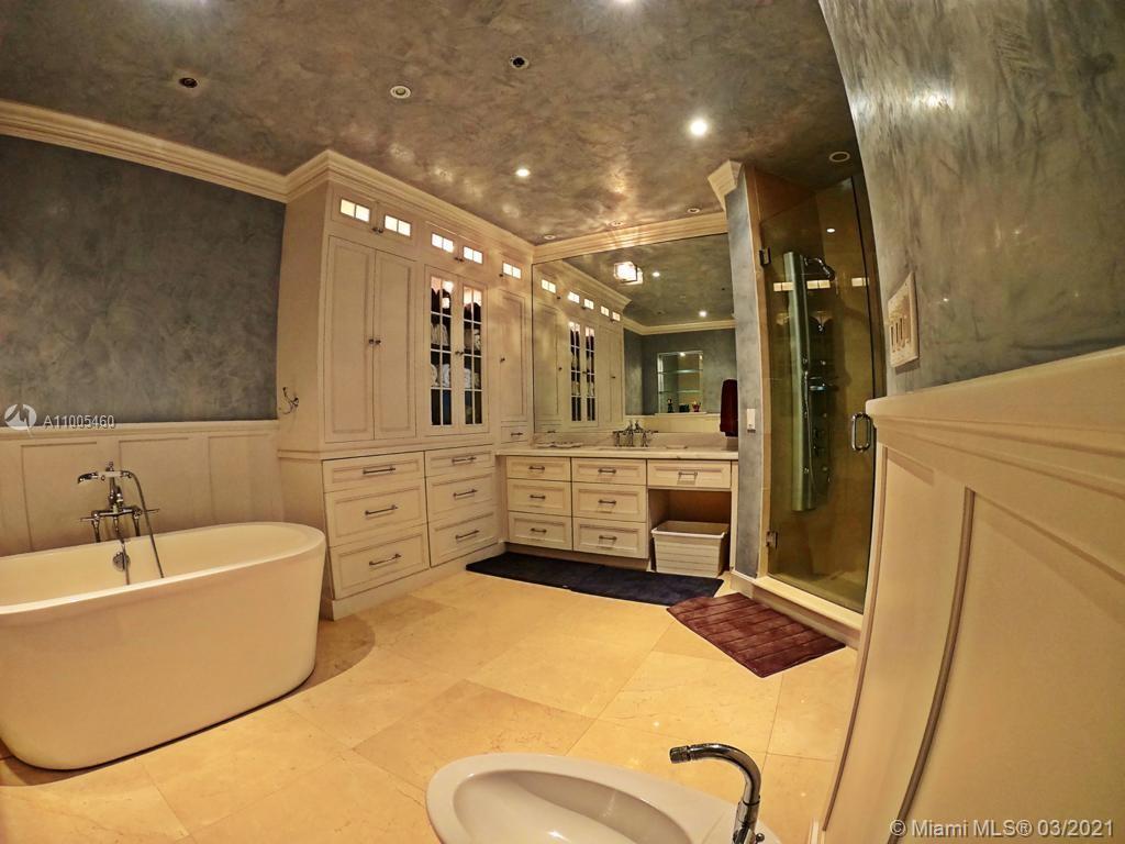 Villa Regina Condo image #22