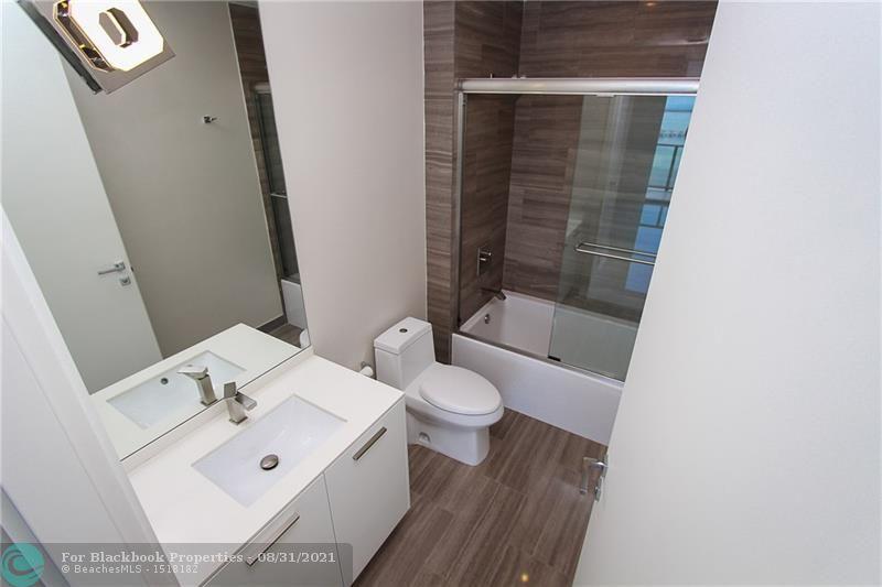 1300 Brickell Bay Drive, Miami, FL 33131, Brickell House #3902, Brickell, Miami F10115751 image #23
