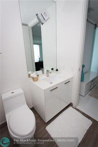 1300 Brickell Bay Drive, Miami, FL 33131, Brickell House #3902, Brickell, Miami F10115751 image #29