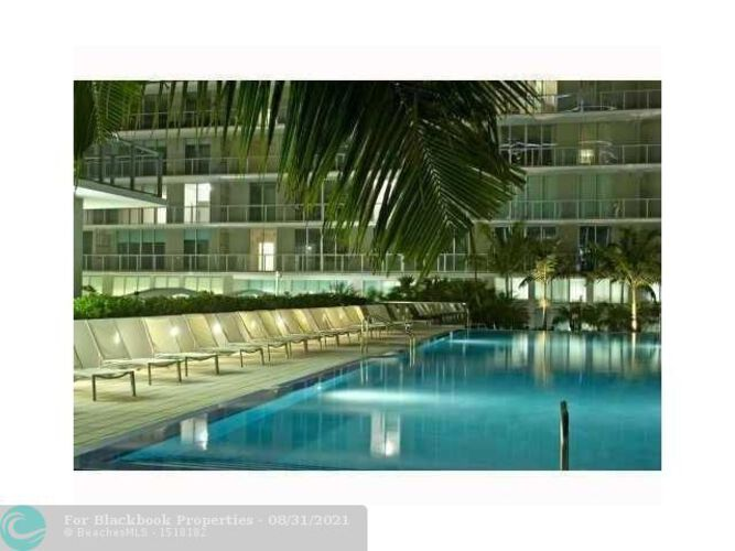 1111 SW 1st Avenue, Miami, FL 33130 (North) and 79 SW 12th Street, Miami, FL 33130 (South), Axis #2702-S, Brickell, Miami F10117848 image #2
