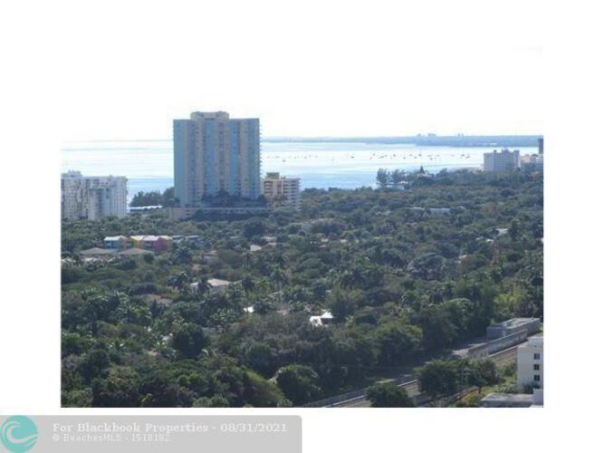 1111 SW 1st Avenue, Miami, FL 33130 (North) and 79 SW 12th Street, Miami, FL 33130 (South), Axis #2702-S, Brickell, Miami F10117848 image #12