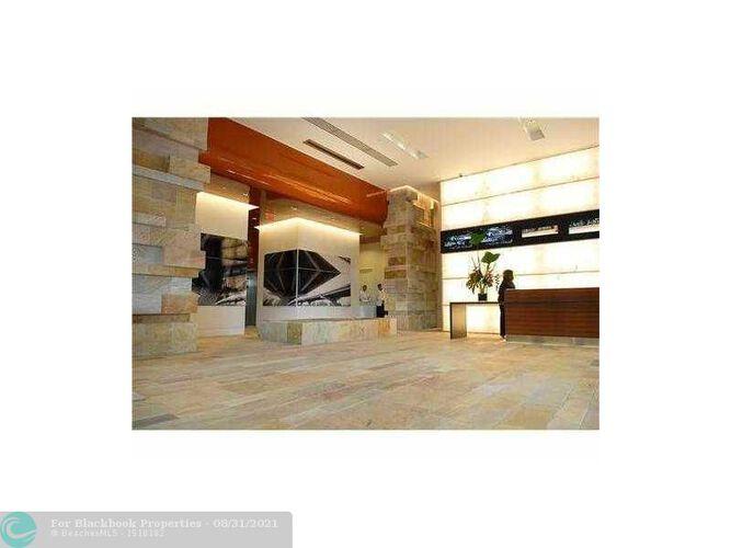 500 Brickell image #26