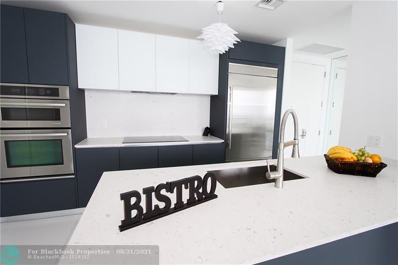 Brickell House image #8