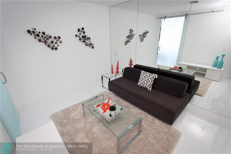 Brickell House image #22