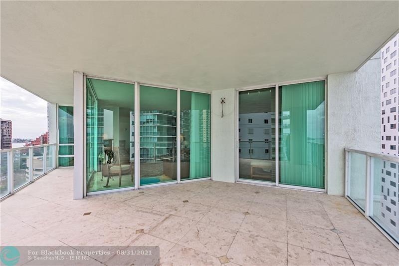 218 SE 14th St, Miami, Fl 33131, Emerald at Brickell #1201, Brickell, Miami F10148948 image #6