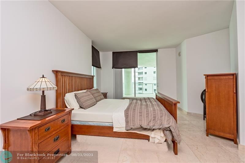 218 SE 14th St, Miami, Fl 33131, Emerald at Brickell #1201, Brickell, Miami F10148948 image #13