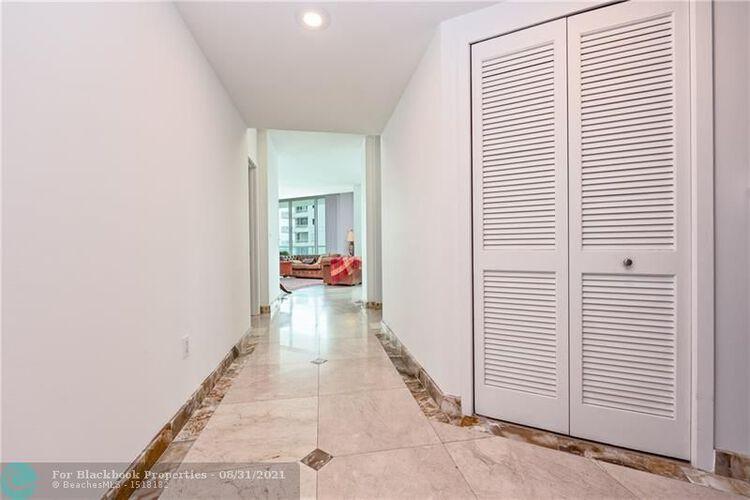 218 SE 14th St, Miami, Fl 33131, Emerald at Brickell #1201, Brickell, Miami F10148948 image #16