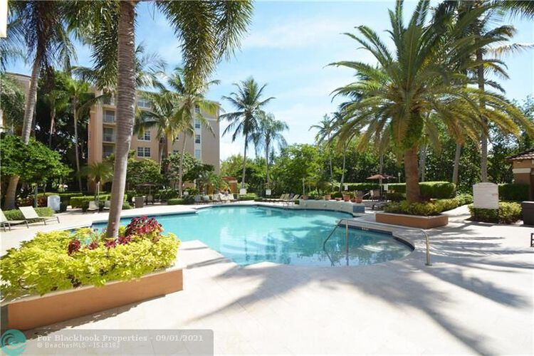 The Yacht Club at Aventura image #38